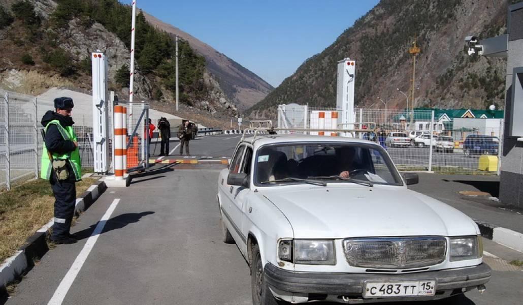 Stepantsminda-Lars highway is open