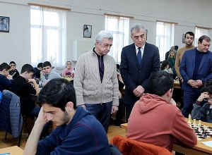 3rd President of Armenia, ex-Mayor of Yerevan visit Chess Academy