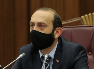 Ararat Mirzoyan returns to work