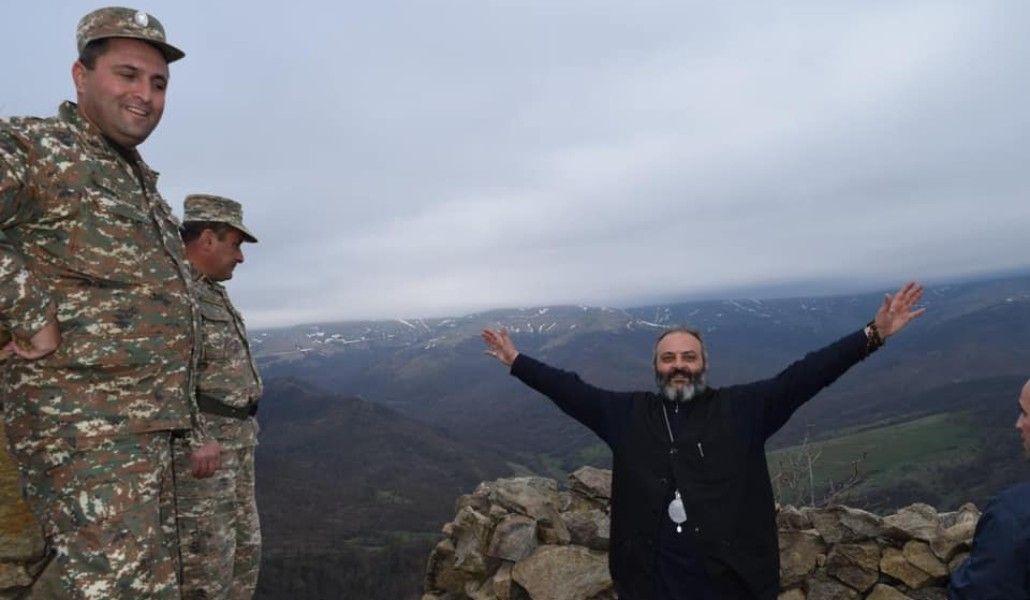 Գնում եմ մեր սահմանները անառիկ պահող տղաների մոտ. Տավուշի թեմի առաջնորդը մեկնում է Արցախ